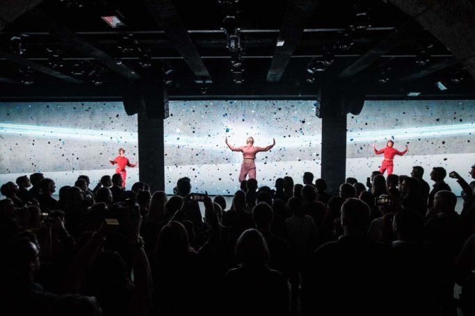 HP - Compagnie Hybride - Représentation, évènement, danseuses, contemporain, explosion, lumière
